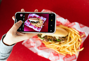 philly-cheesesteak-sandwich-phone-image
